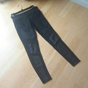 ALO | Black Moto Leggings